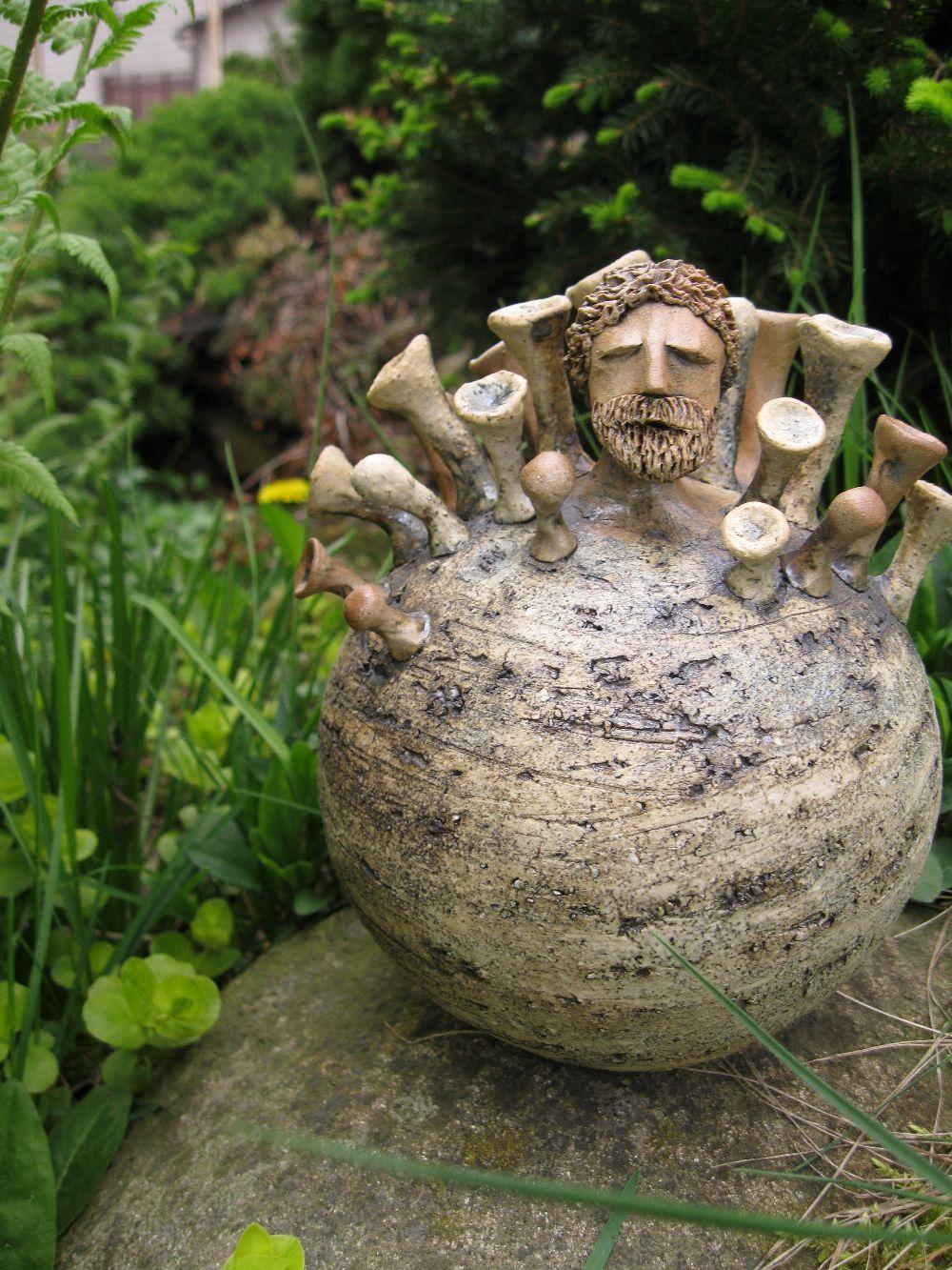 hlava v pejru